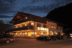 Gästehaus Angerer - Hotel - Reit im Winkl