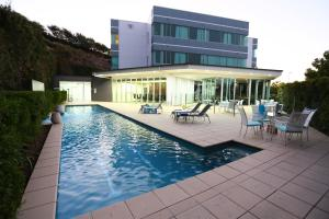Springfield Lakes Boutique Hotel