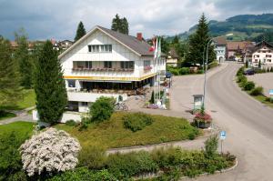 Hotel-Restaurant Sternen - Nesslau