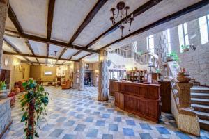 House of Dracula Hotel, Hotely  Poiana Brasov - big - 56