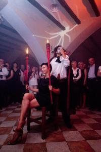 House of Dracula Hotel, Hotely  Poiana Brasov - big - 49