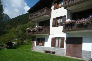 Appartamenti Mistrin - AbcAlberghi.com