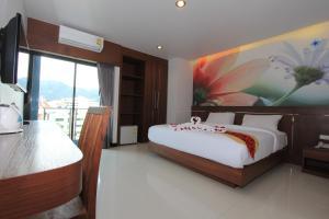 The Crystal Beach Hotel - Patong Beach