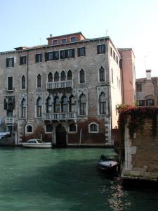 At Home a Palazzo - AbcAlberghi.com