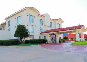 Good Gracious Inn - Tulsa