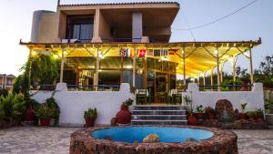 Hostels e Albergues - Omiros Hotel