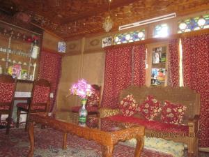 Houseboat Moon of Kashmir, Ботели  Сринагар - big - 19