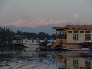 Houseboat Moon of Kashmir, Ботели  Сринагар - big - 16