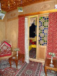 Houseboat Moon of Kashmir, Ботели  Сринагар - big - 13