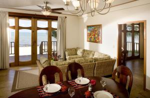 Three-Bedroom Villa Belizean Dreams Resort