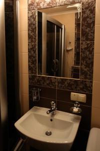 RomanticApartaments ,TWO BEDROOM, Апартаменты  Львов - big - 43