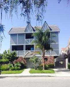 Heart of Glendale - Apartment