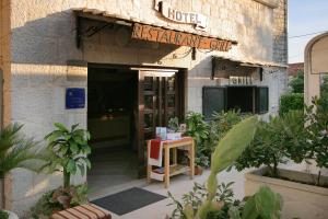 Hotel Trogir - Трогир
