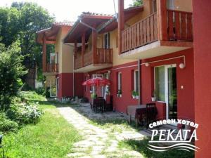 Rekata Hotel - Balkanets