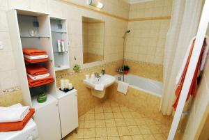 BPHome Apartments, Apartmanok  Budapest - big - 15