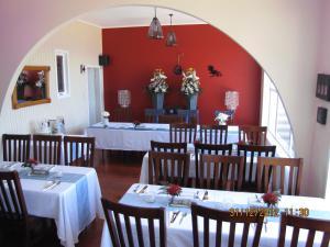 Tipi and Bobs Waterfront Lodge, Turistaházak  Tryphena - big - 77