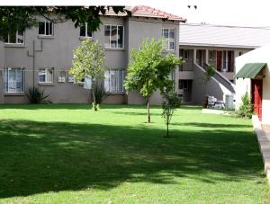 Airport Lodge Guest House - Bredell