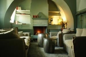 Hostels e Albergues - Apeiros Chora