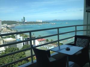 View Talay 6 Pattaya Beach Condominium by Honey - Pattaya Central