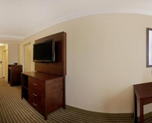 Queen Room Pearson Hotel Conference Centre Toronto Airport