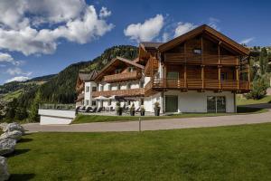 Hotel Comploj - Selva di Val Gardena