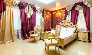 Отель Бруель, Саров