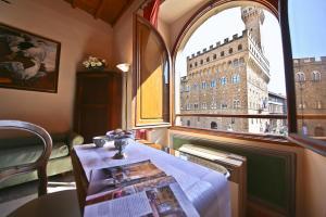 Apartments Florence - Signoria, Apartments  Florence - big - 1