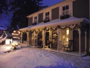 Historic Davy House Bed & Brea..