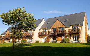 Location gîte, chambres d'hotes Lagrange Vacances Les Roches Douvres dans le département Ille et Vilaine 35