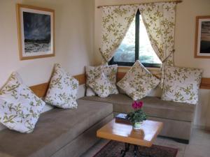 Amira and George's Guest House, Гостевые дома  Йесод-Амаала - big - 14