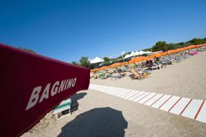 Villaggio Camping Spiaggia Lunga - AbcAlberghi.com