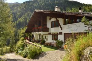 Garni Villa Elisabeth - Hotel - Santa Gertrude nella Val d'Ultimo