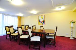Hotel Maxim, Отели  Орадя - big - 34