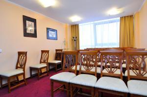 Hotel Maxim, Отели  Орадя - big - 14