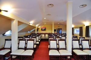 Hotel Maxim, Отели  Орадя - big - 50