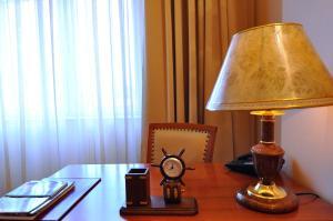 Hotel Maxim, Отели  Орадя - big - 40