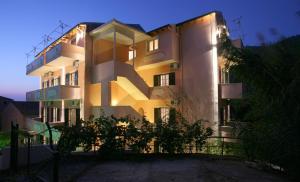 Alexis Apartments - Benitses