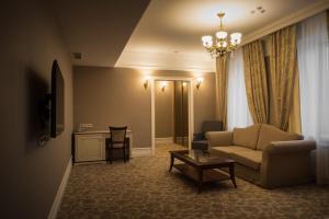 Business club hotel RAZUMOVSKY, Szállodák  Omszk - big - 111