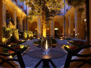 Palazzo Cardinal Cesi - AbcAlberghi.com