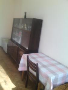 Guesthouse Pirosmani, Vendégházak  Borzsomi - big - 19
