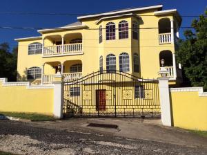 Pura Vida Jamaica Falmouth