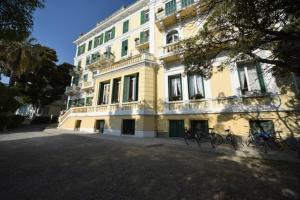 Hotel Petit Royal - AbcAlberghi.com