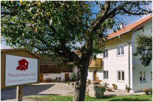 Gästehaus Niedermeierhof - Fraueneuharting