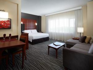 Residence Inn by Marriott Montreal Airport - Hotel - Dorval