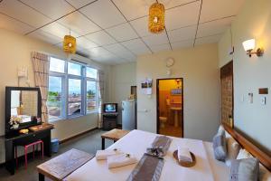 Cinderella Hotel, Hotely  Mawlamyine - big - 4