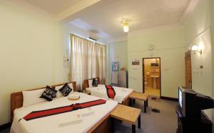 Cinderella Hotel, Отели  Моламьяйн - big - 15