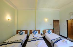 Cinderella Hotel, Отели  Моламьяйн - big - 14