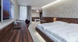 Hotel Morava, Szállodák  Otrokovice - big - 2