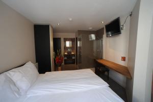 Chez Gilles, Hotel  La Chaux-de-Fonds - big - 21
