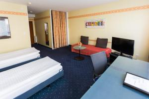 Superior Twin Room Hotel Comedie